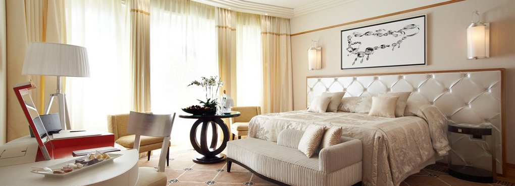 Martinez cannes r novation suite des oliviers vue sur la for Hotel martinez cannes tarifs chambres